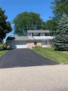 Photo of 516 Heather Ln, Wales, WI 53183 (MLS # 1653994)
