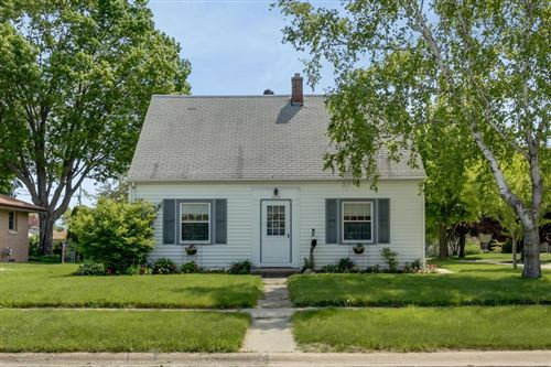 Photo of 2715 9th Ave, South Milwaukee, WI 53172 (MLS # 1641998)