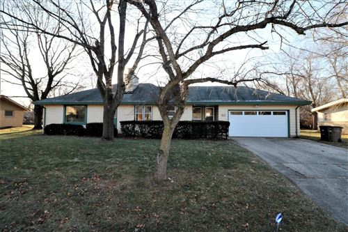 Photo of 8901 N Rexleigh Dr, Bayside, WI 53217 (MLS # 1670998)