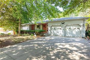 Photo of 1001 N Park Road, Bellefontaine, OH 43311 (MLS # 431005)
