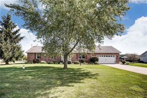 Photo of 3942 Petre, Springfield, OH 45502 (MLS # 430006)