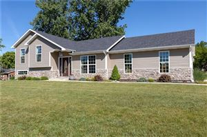 Photo of 501 Oakwood Drive, Bellefontaine, OH 43311 (MLS # 428026)