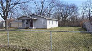 Photo of 1750 S York Street, Springfield, OH 45505 (MLS # 415145)