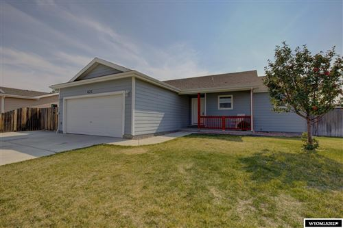 Photo of 621 Eagle Circle, Evansville, WY 82636 (MLS # 20212596)