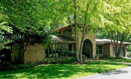 Home sold by Reta Wegele 120th Street Palos Park