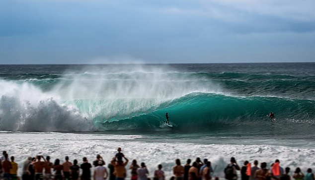 surf contest in hawaii