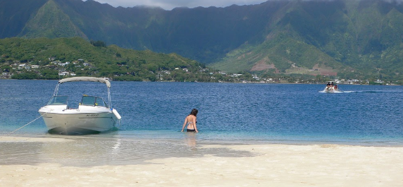 Kaneohe sandbar in hawaii