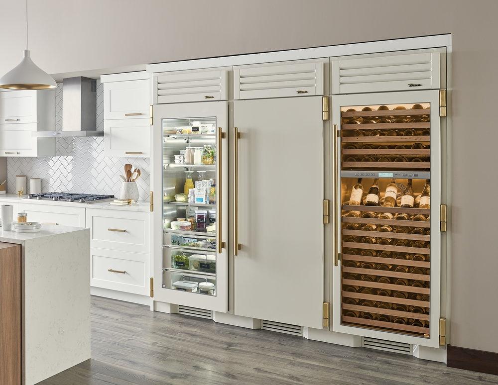 See-Through+Refrigerator+True+Manufacturing