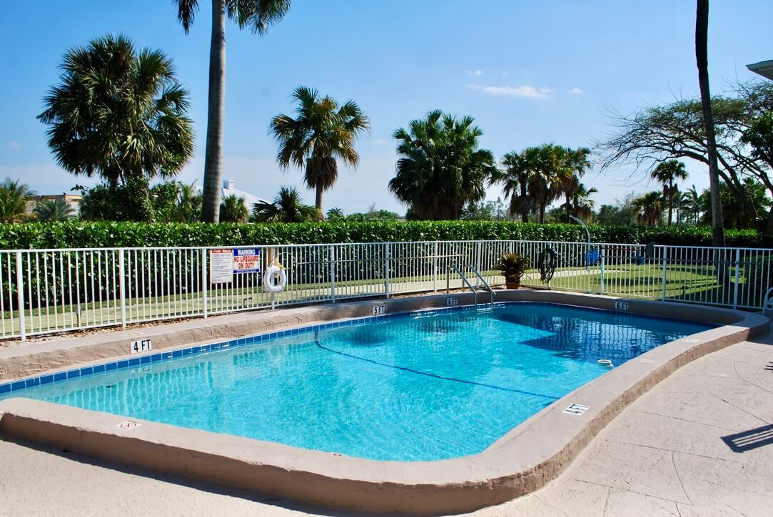 3912 NE 22nd Ave #4B Fort Lauderdale Fl 33308 - photo of pool