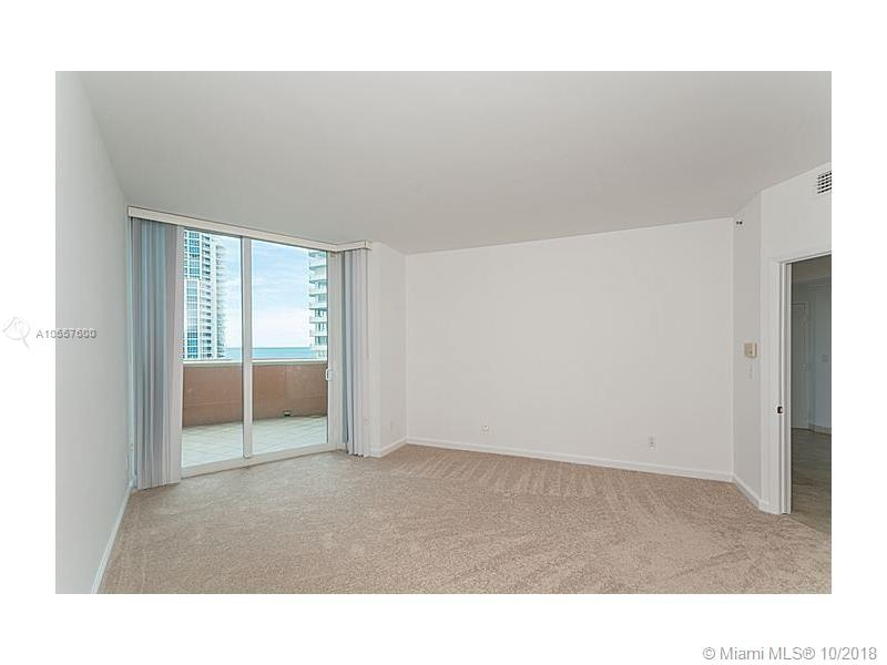 300 S Pointe Dr 1002. Room with Balcony - side French doors