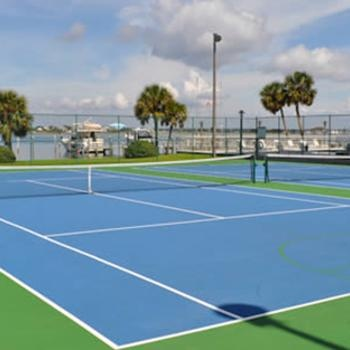 300 South Pointe Drive 1002 Tennis Courts