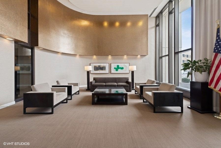 02-393-pine-grove-unit2104-lobby