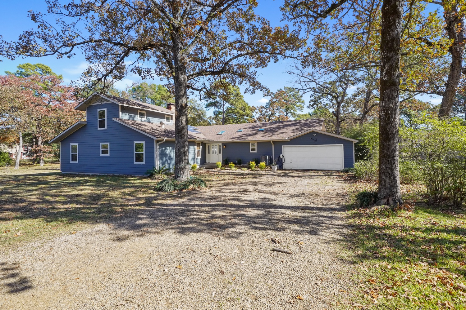 Waterfront Home! 1903 Eddy Circle, Chandler, TX