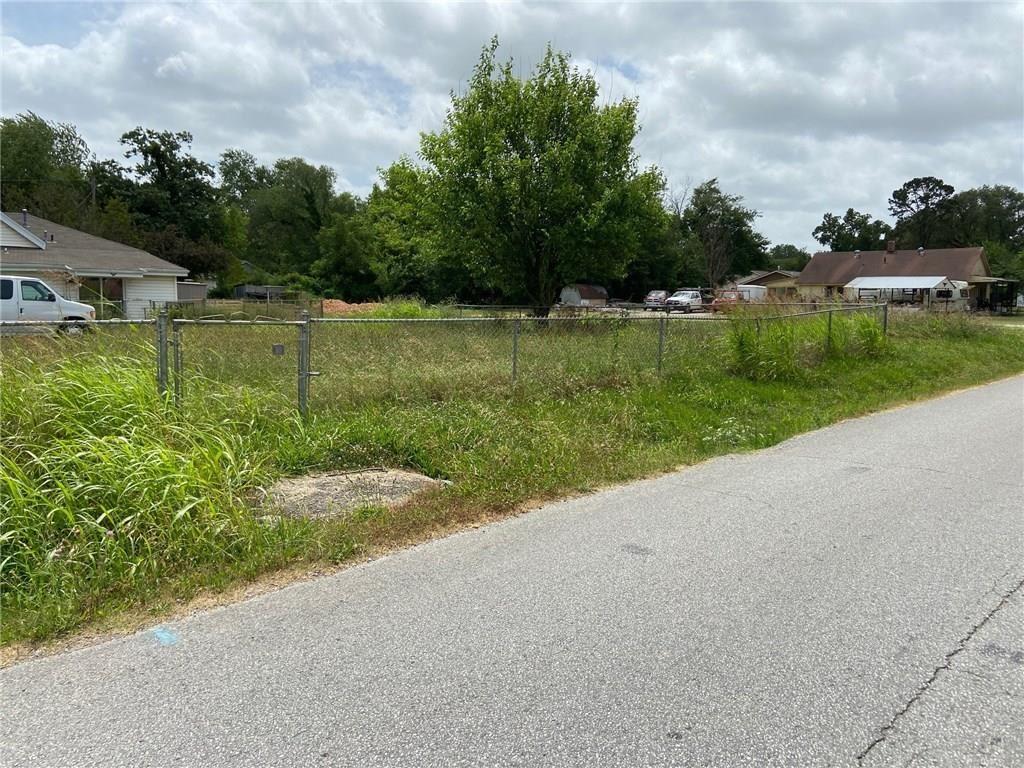 Property Image Of 913 N B Street In Rogers, Ar