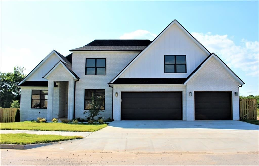 Property Image Of 1220 Elizabeth Loop In Bentonville, Ar