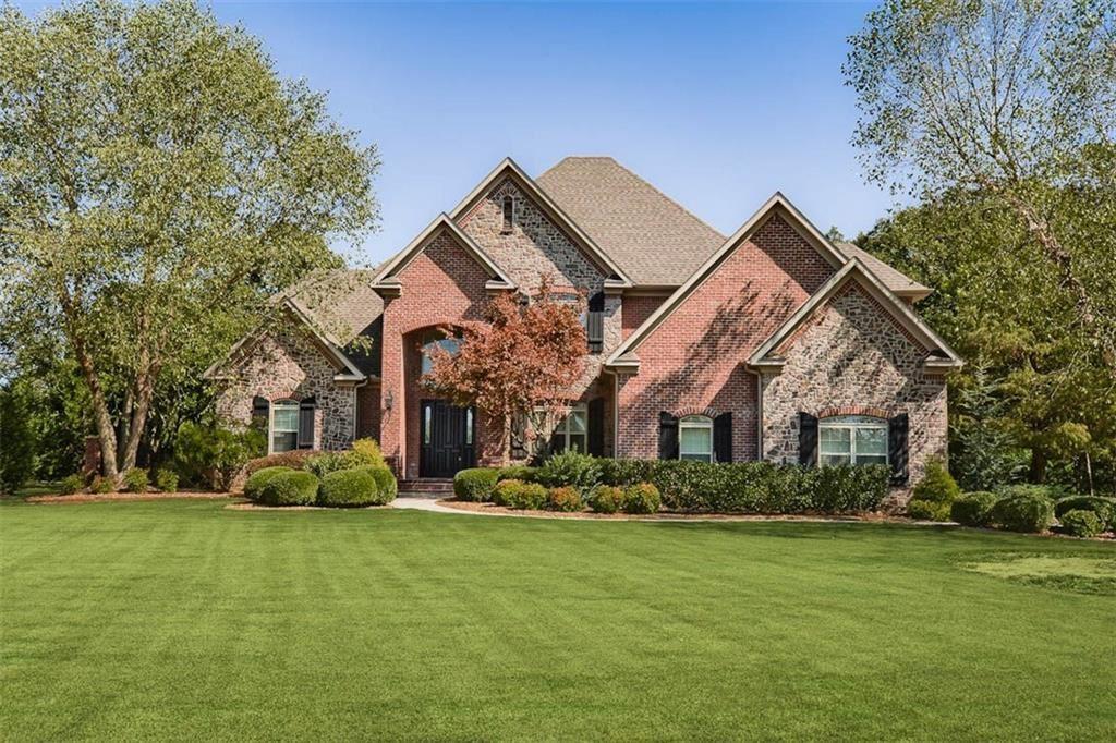 Bentonville                                                                      , AR - $885,000