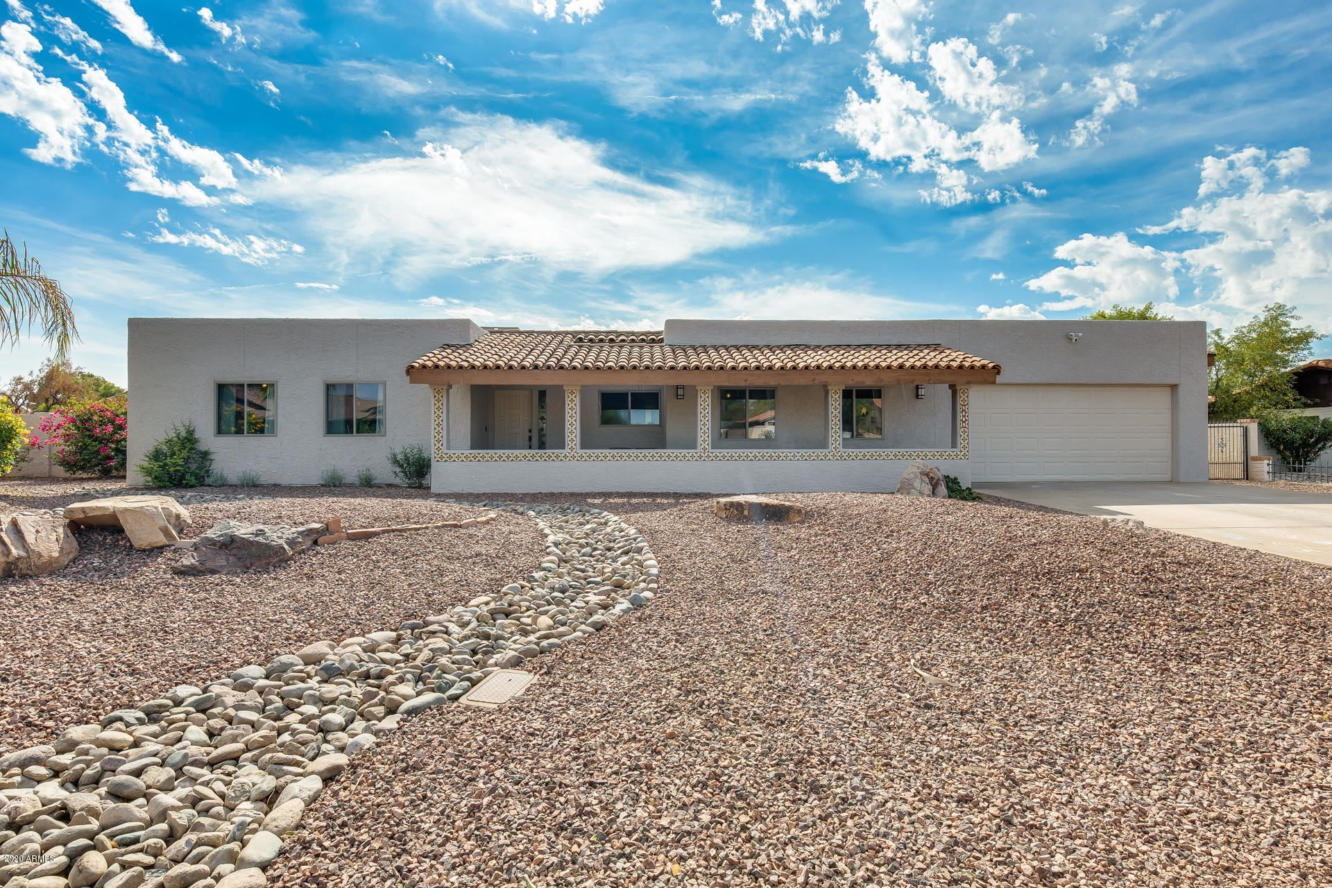 Glendale                                                                      , AZ - $609,000