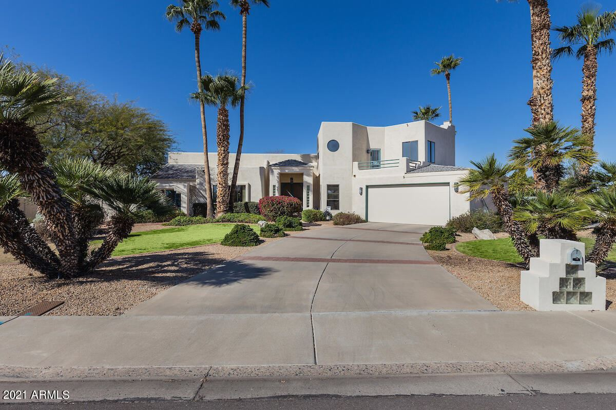 Glendale                                                                      , AZ - $840,000