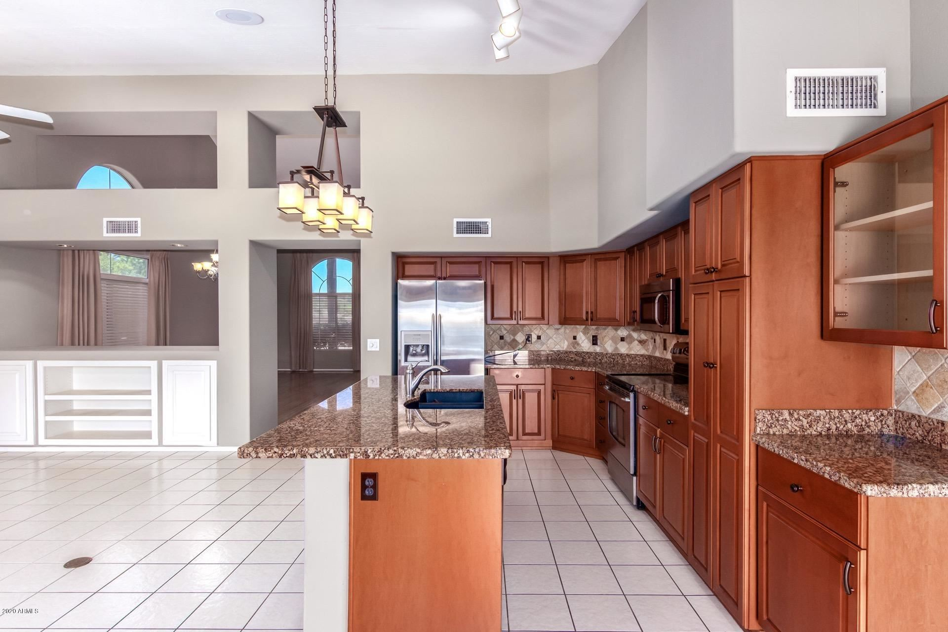 Property Image Of 1256 E Redfield Road In Phoenix, Az