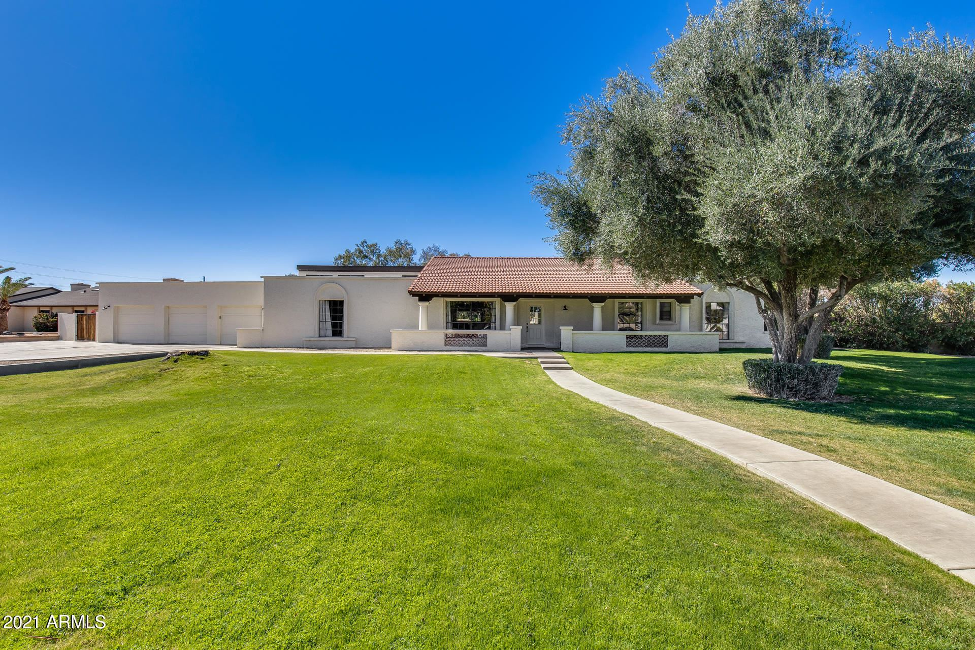 Glendale                                                                      , AZ - $1,000,000