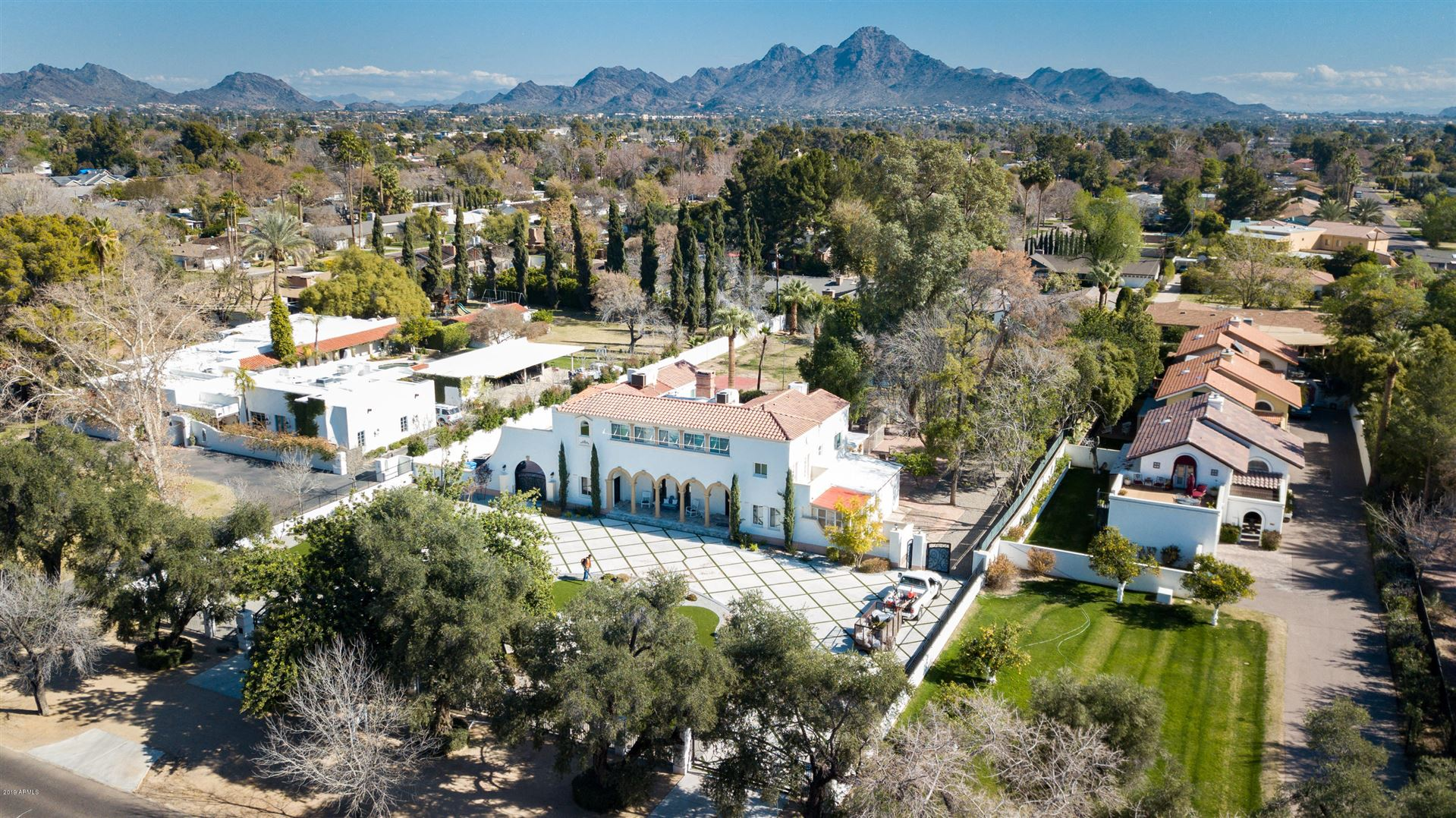 Property Image Of 6611 N Central Avenue In Phoenix, Az