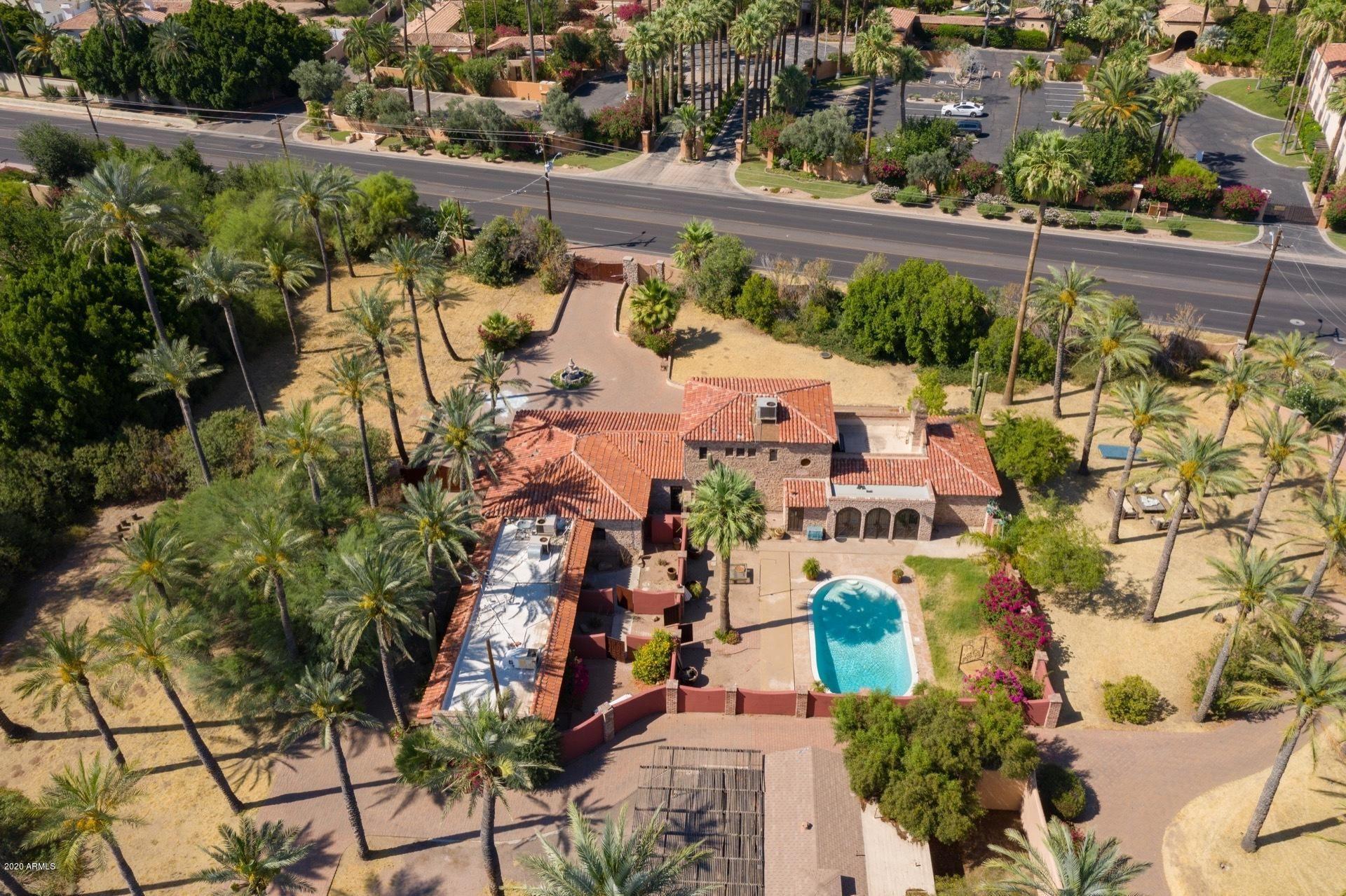 Property Image Of 5195 E Camelback Road In Phoenix, Az
