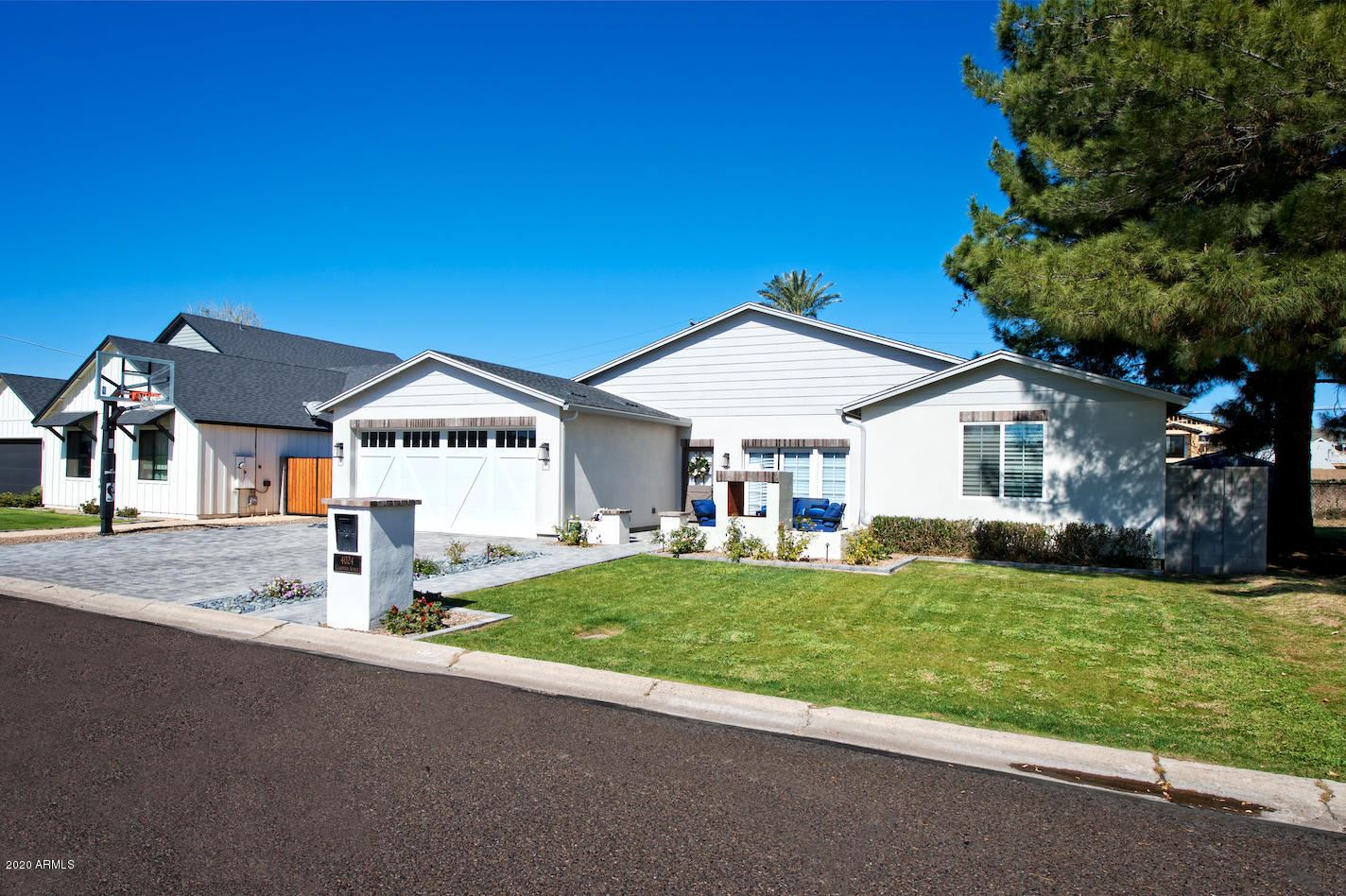 Property Image Of 4024 E Clarendon Avenue In Phoenix, Az