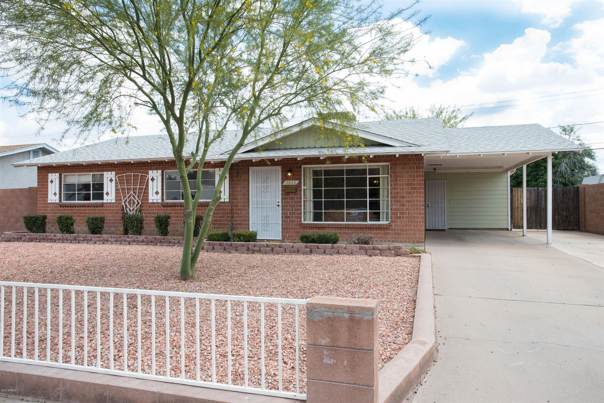 Property Image Of 2933 W Claremont Street In Phoenix, Az