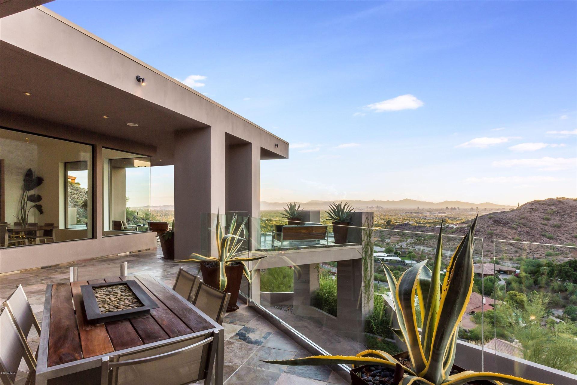 Paradise Valley                                                                      , AZ - $7,500,000