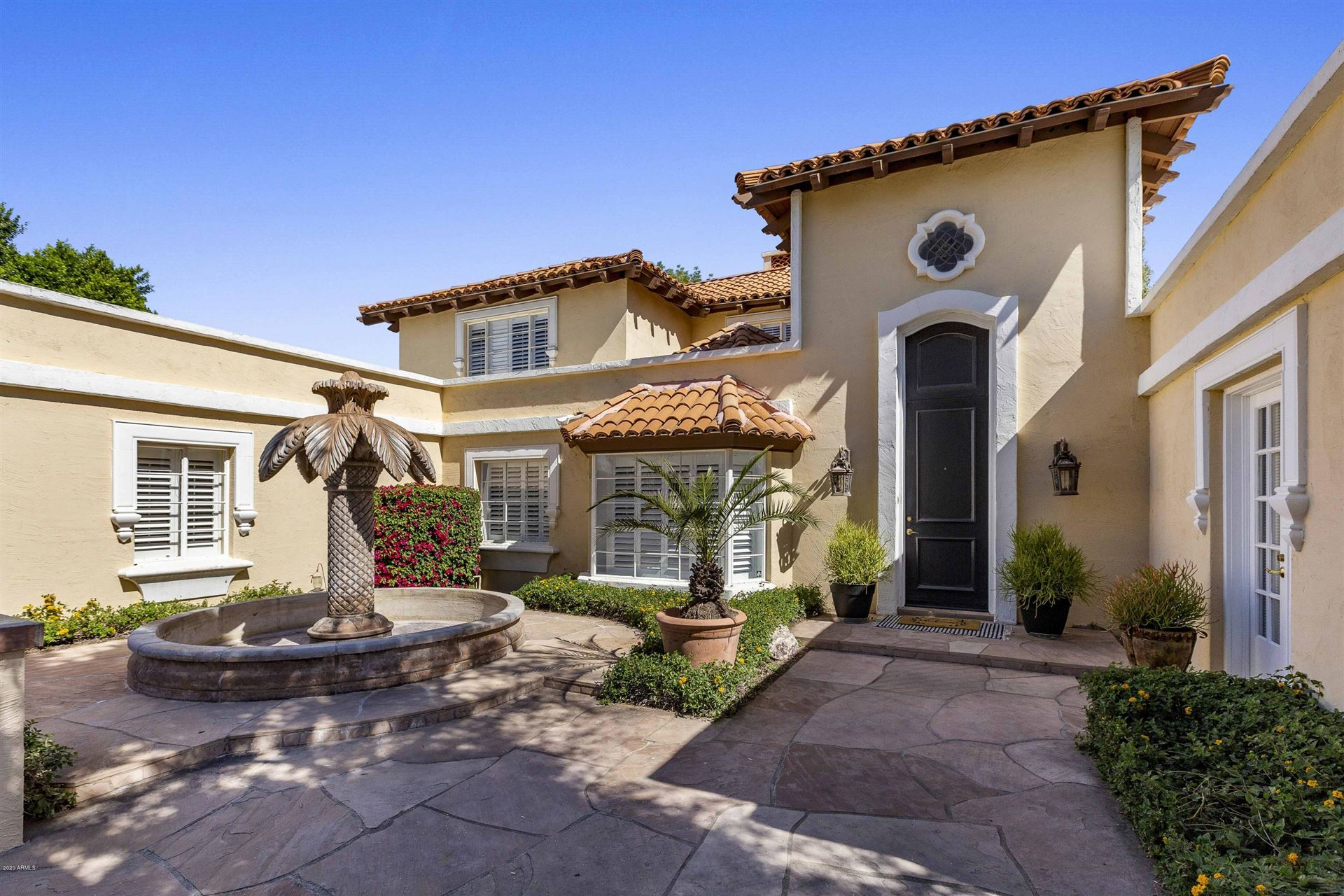 Property Image Of 214 W Kaler Drive In Phoenix, Az