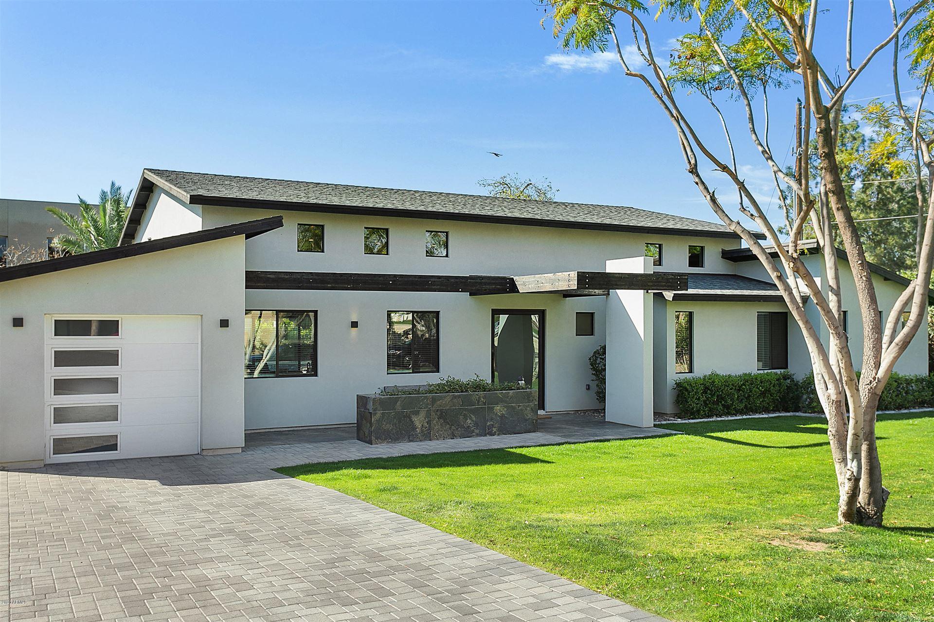 Property Image Of 3201 E Medlock Drive In Phoenix, Az