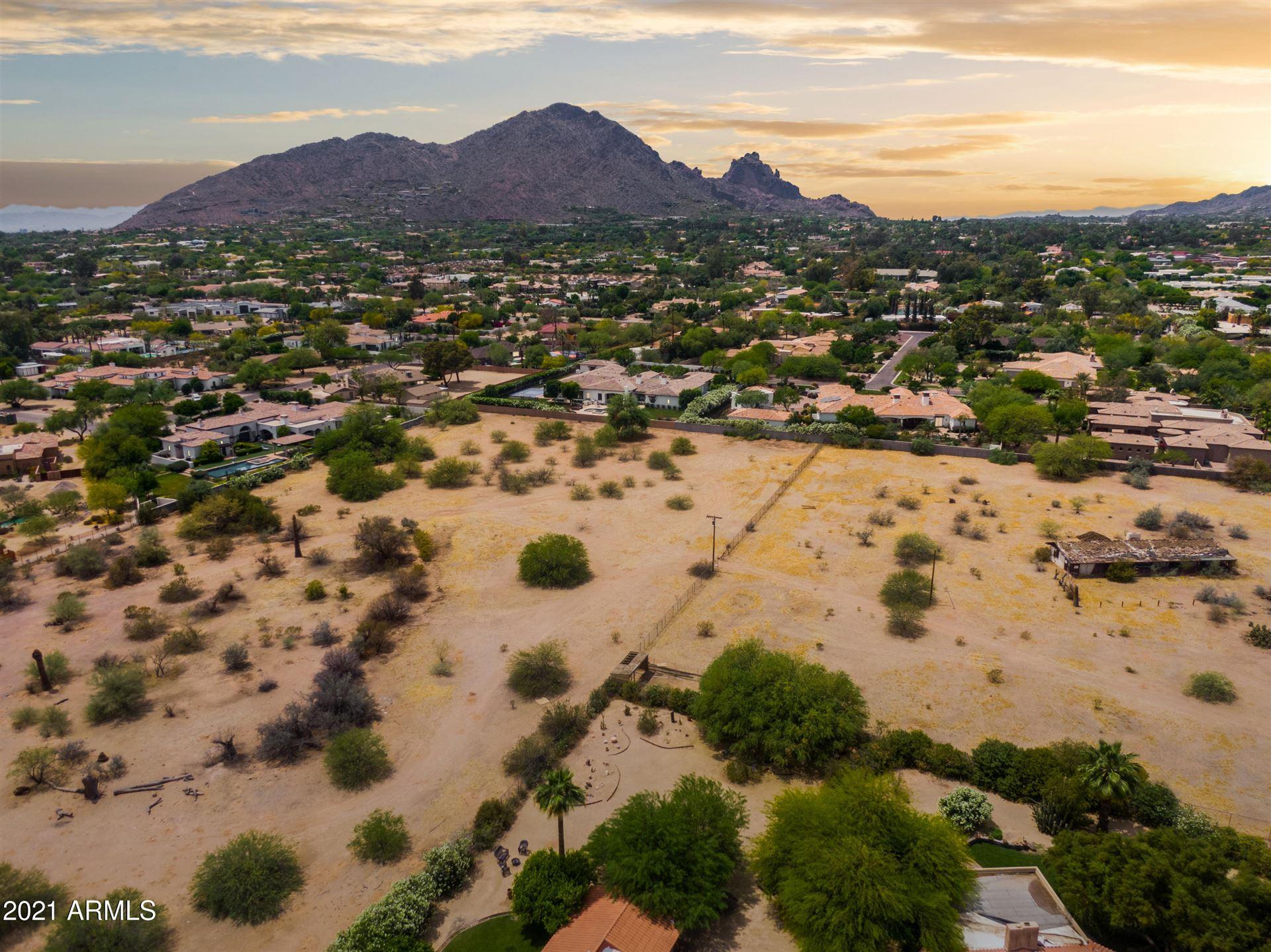 Paradise Valley                                                                      , AZ - $13,500,000