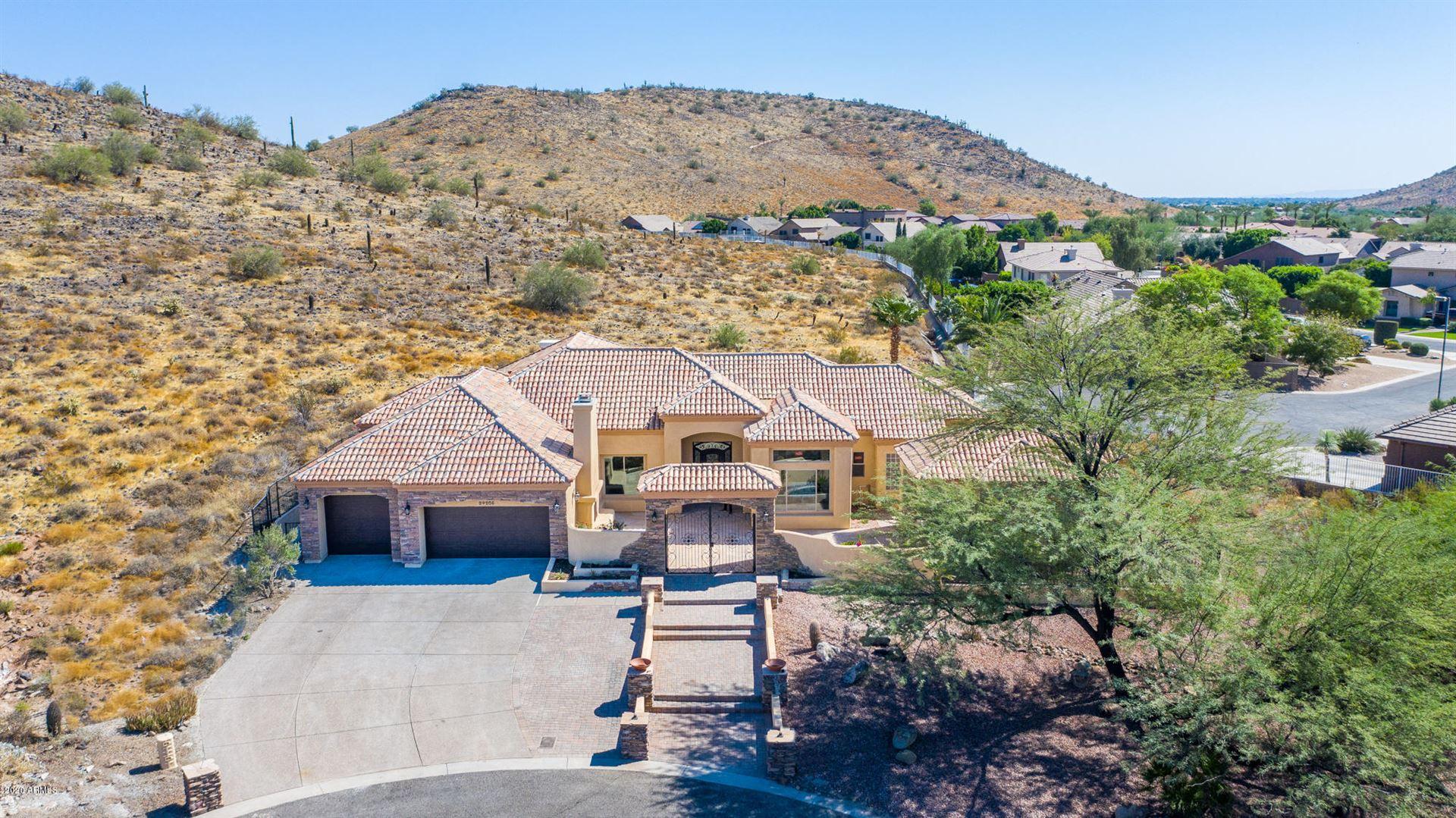 Glendale                                                                      , AZ - $949,000