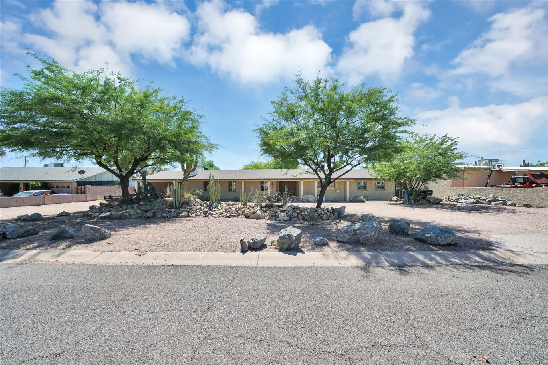 Property Image Of 8028 N 14Th Place In Phoenix, Az