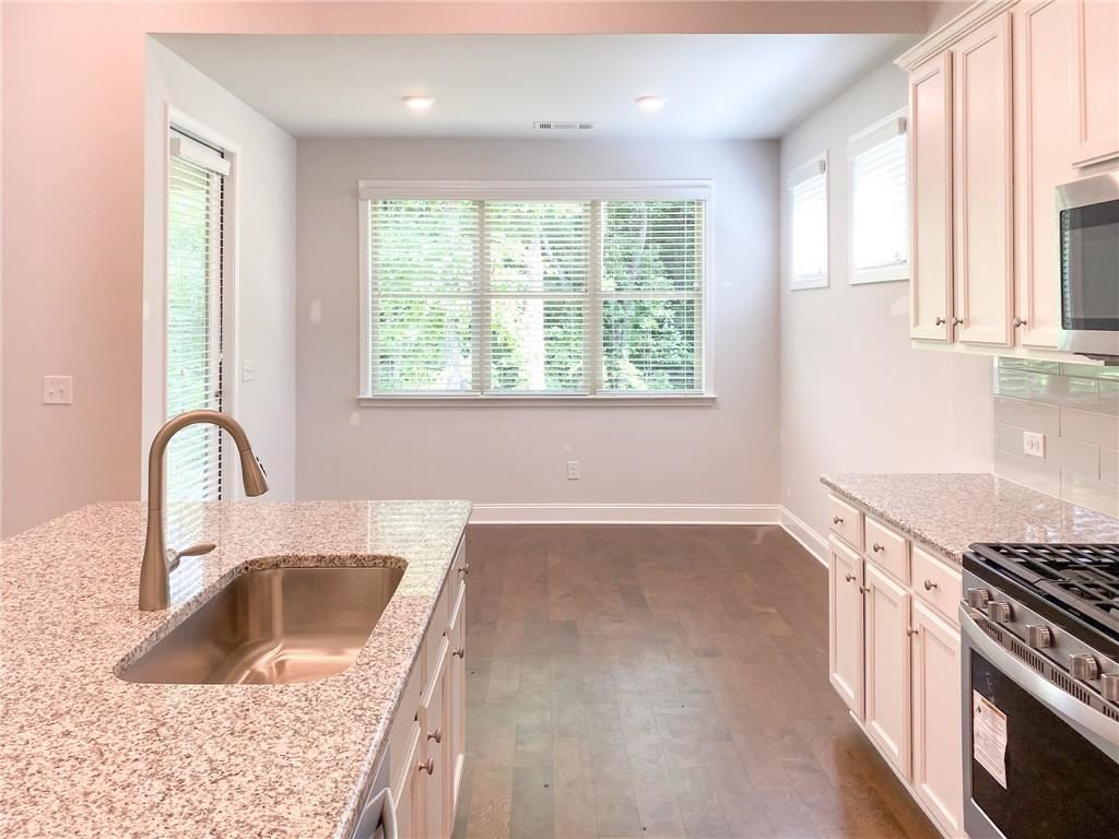 Property Image Of 3593 Lachlan Drive In Snellville, Ga
