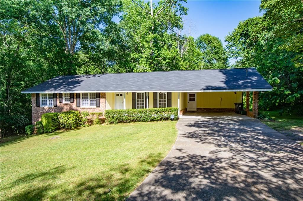 Property Image Of 2826 Manor Court In Snellville, Ga