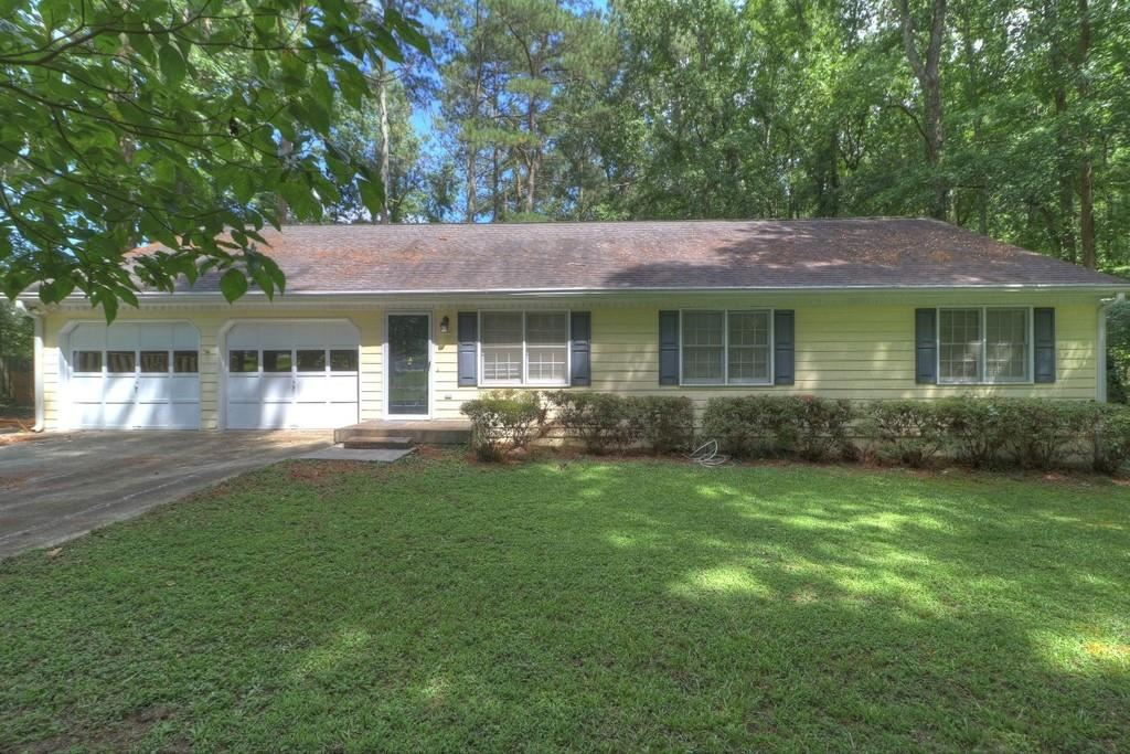 Property Image Of 2105 Chaparral Drive In Snellville, Ga