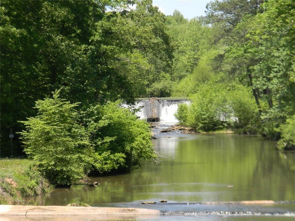 Douglasville                                                                      , GA - $560,000