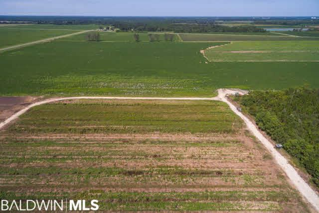 Property Image Of 1 Lewis Rd In Jay, Fl
