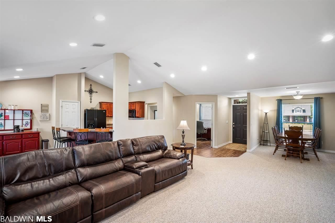 Property Image Of 24062 Raynagua Blvd In Loxley, Al
