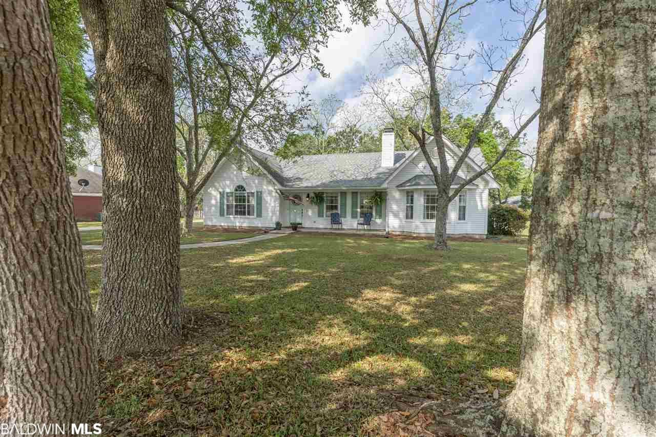 Property Image Of 20133 Thompson Hall Road In Fairhope, Al