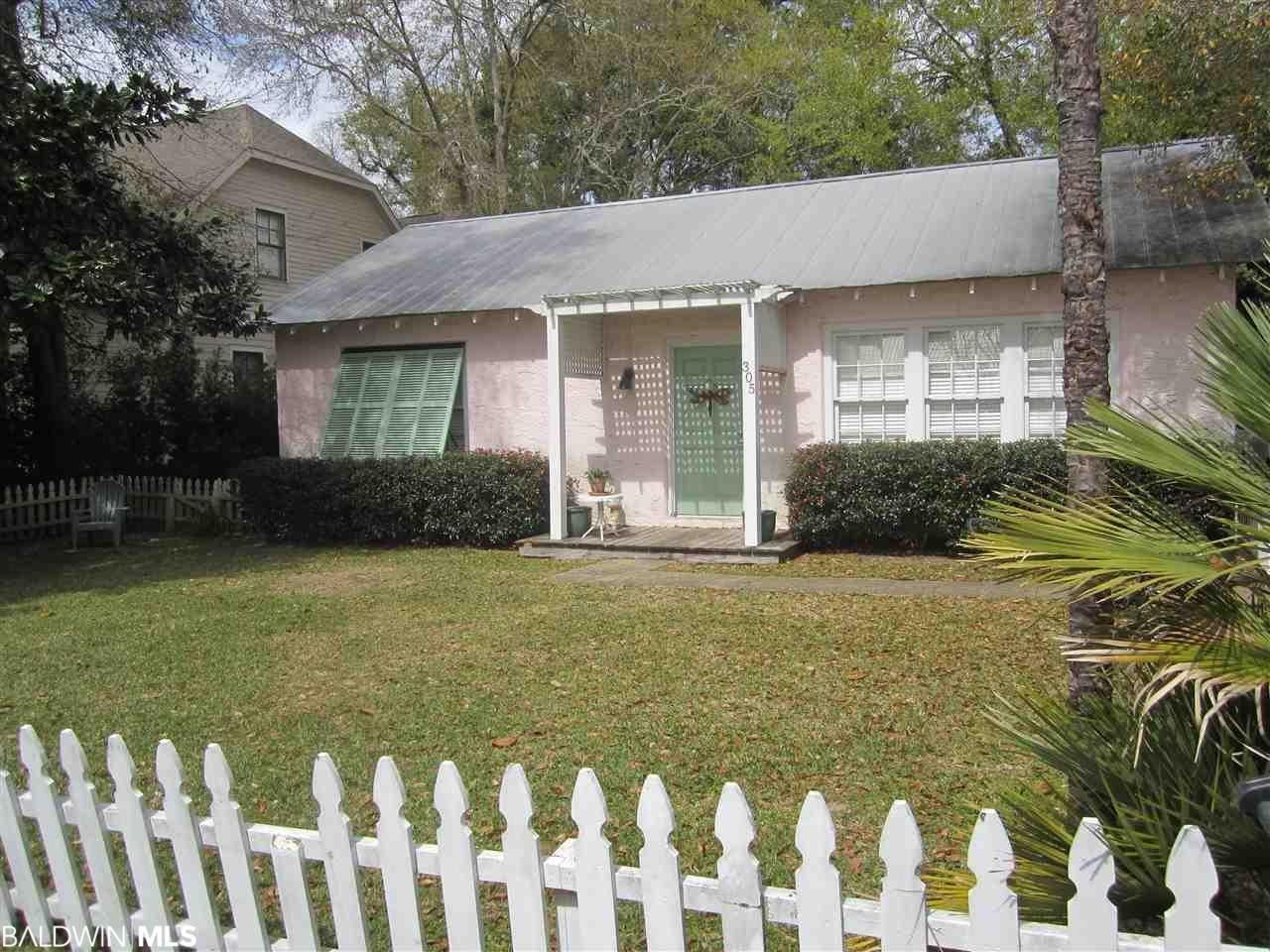 Property Image Of 305 Gaston Avenue In Fairhope, Al