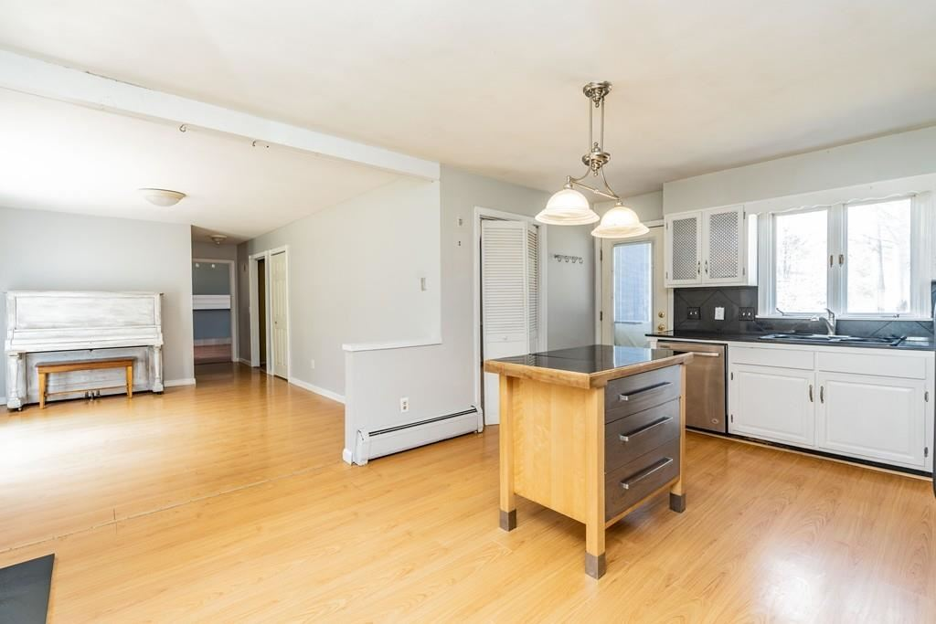 Property Image Of 2 Laurel Rd In Williamsburg, Ma