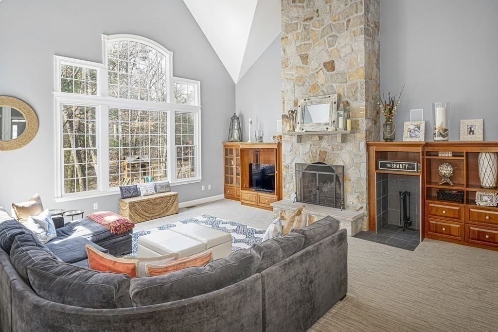 Property Image Of 37 Stone Meadow Ln In Hanover, Ma