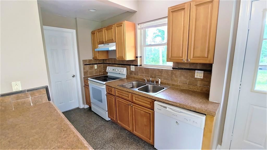 Property Image Of 3 Dixon Ave In Worcester, Ma