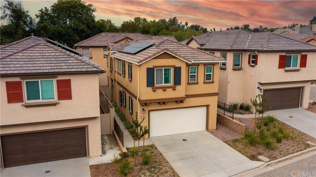 284 Camellia Way                                                                               Vista                                                                      , CA - $715,000