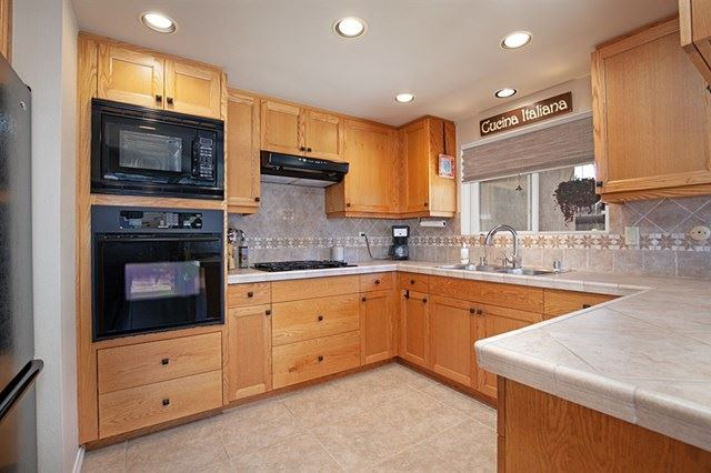 Property Image Of 1725 Calavo Court In Carlsbad, Ca