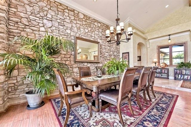Property Image Of 27119 Calle De Encinas Ct In Valley Center, Ca
