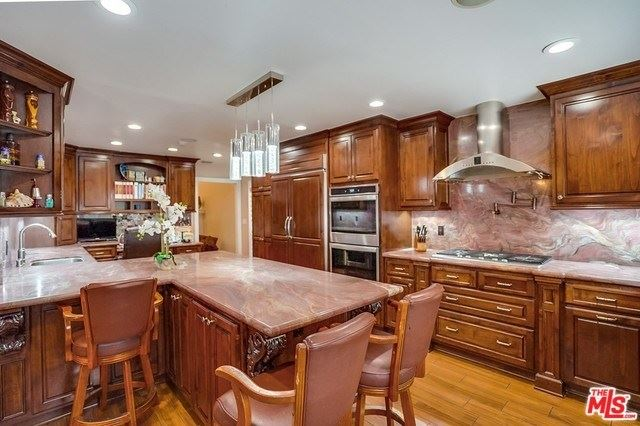Property Image Of 5528 Voletta Place In Valley Village, Ca