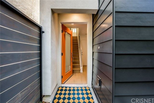Property Image Of 4750 Irvine Avenue In Valley Village, Ca